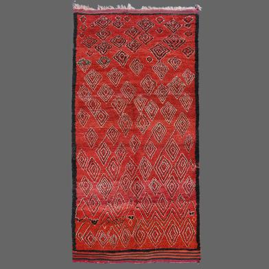 How much personality can a simple rug hold? Imagine this carpet from the Talsint area rolled out down your hallway.