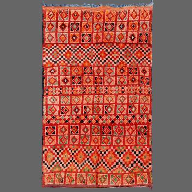 C´est tellement agréable de trouver un tapis berbère de Boujad avec une telle qualité dans une gamme de couleurs rougeâtres. tapis de boujad