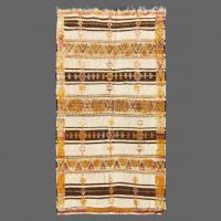 Le motif de ce tapis Glaoua est si intelligent, si élégant et à la fois tellement ethnique.