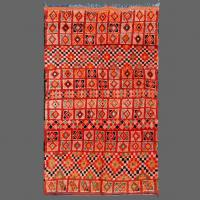 It is so pleasing to find a traditional vintage Berber rug of this quality in a range of russet colors.